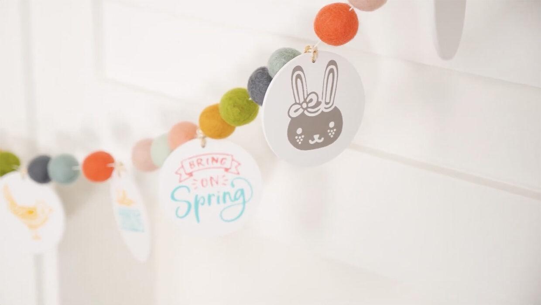 Springtime Art Gallery Garland